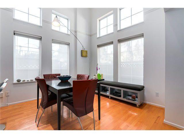 "Photo 6: Photos: 3211 W 6TH Avenue in Vancouver: Kitsilano 1/2 Duplex for sale in ""KITSILANO"" (Vancouver West)  : MLS®# V1091079"