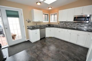 Photo 3: 13767 GOLF COURSE Road: Charlie Lake Manufactured Home for sale (Fort St. John (Zone 60))  : MLS®# R2062557
