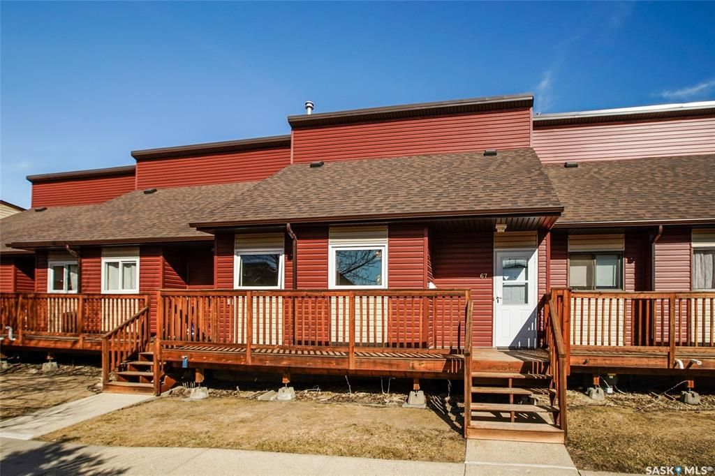 Main Photo: 67 331 Pendygrasse Road in Saskatoon: Fairhaven Residential for sale : MLS®# SK847100