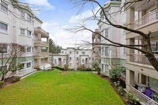 """Photo 22: 124 15268 105 Avenue in Surrey: Guildford Condo for sale in """"Georgian Gardens"""" (North Surrey)  : MLS®# R2502263"""