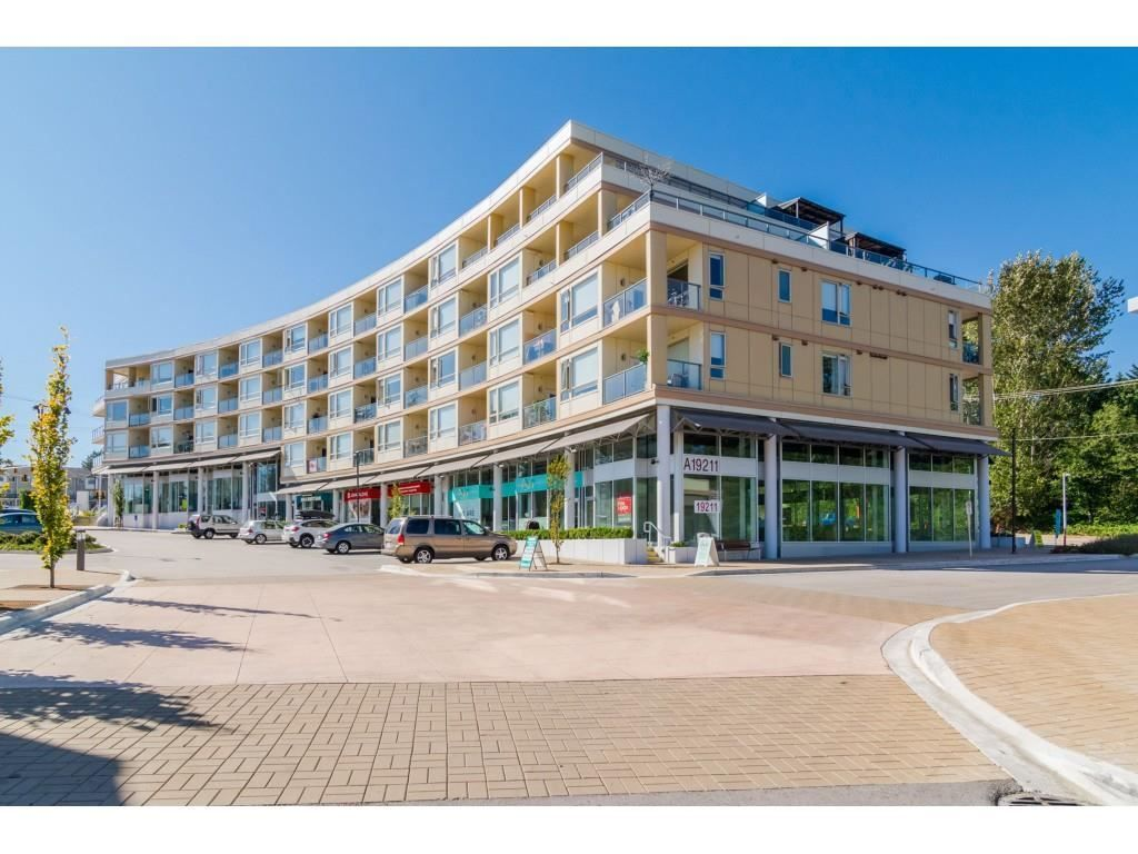"""Photo 1: Photos: 315 19228 64 Avenue in Surrey: Clayton Condo for sale in """"FOCAL POINT"""" (Cloverdale)  : MLS®# R2481765"""