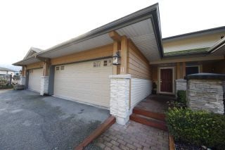 "Photo 2: 11 1026 GLACIER VIEW Drive in Squamish: Garibaldi Highlands Townhouse for sale in ""Seasons View"" : MLS®# R2326220"
