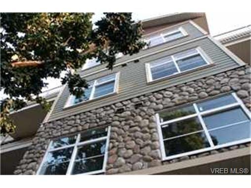 Main Photo:  in VICTORIA: La Langford Proper Condo for sale (Langford)  : MLS®# 399762
