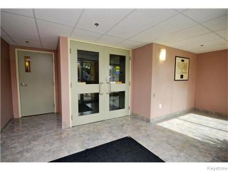 Photo 2: 403 Regent Avenue in WINNIPEG: Transcona Condominium for sale (North East Winnipeg)  : MLS®# 1526649