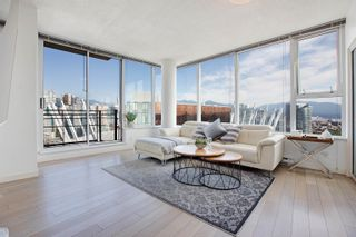"""Photo 2: 3307 33 SMITHE Street in Vancouver: Yaletown Condo for sale in """"COOPER'S LOOKOUT"""" (Vancouver West)  : MLS®# R2615498"""