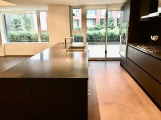 """Photo 9: 204 1571 W 57TH Avenue in Vancouver: South Granville Condo for sale in """"SHANNON WALL CENTRE - WILSHIRE HOUSE"""" (Vancouver West)  : MLS®# R2507482"""