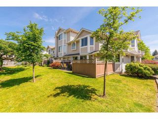 Photo 2: 15 7955 122 STREET in Surrey: West Newton Townhouse for sale : MLS®# R2372715