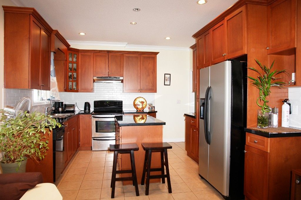 Photo 6: Photos: 4355 HURST ST in Burnaby: Metrotown 1/2 Duplex for sale (Burnaby South)  : MLS®# V1003439