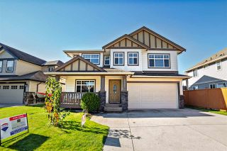 Photo 1: 8627 TUPPER Boulevard in Mission: Mission BC House for sale : MLS®# R2316810