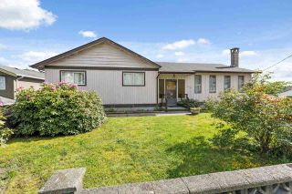 Photo 1: 818 DELESTRE Avenue in Coquitlam: Coquitlam West House for sale : MLS®# R2584831