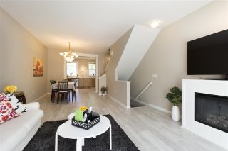 Photo 8: 8 11060 BARNSTON VIEW Road in Pitt Meadows: South Meadows Townhouse for sale : MLS®# R2281623