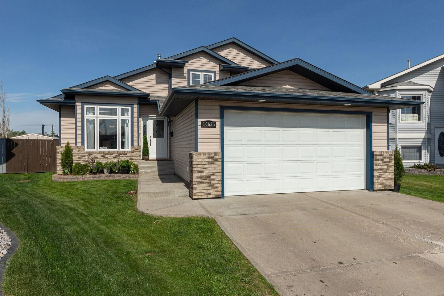 Main Photo: 16635 75 Street NW in Edmonton: Zone 28 House for sale : MLS®# E4247982