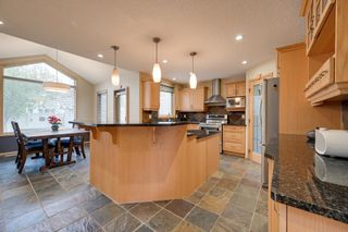Photo 12: 227 LINDSAY Crescent in Edmonton: Zone 14 House for sale : MLS®# E4265520
