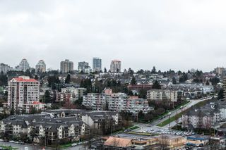 "Photo 15: 1605 10 LAGUNA Court in New Westminster: Quay Condo for sale in ""LAGUNA COURT"" : MLS®# R2155689"