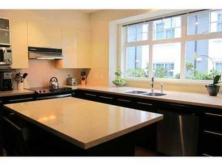 Photo 4: 3758 WELWYN Street in Vancouver East: Victoria VE Home for sale ()  : MLS®# V915056