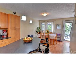 Photo 7: 24 127 Aldersmith Pl in VICTORIA: VR Glentana Row/Townhouse for sale (View Royal)  : MLS®# 738136