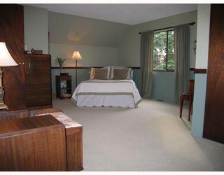 """Photo 10: 7201 HEWITT Street in Burnaby: Simon Fraser Univer. House for sale in """"Simon Fraser University"""" (Burnaby North)  : MLS®# V745542"""