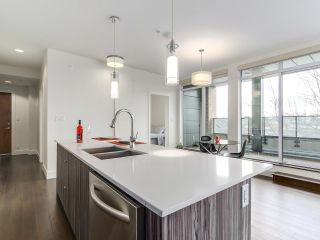 """Photo 7: 314 2250 COMMERCIAL Drive in Vancouver: Grandview VE Condo for sale in """"Marquee on Commercial"""" (Vancouver East)  : MLS®# R2154734"""
