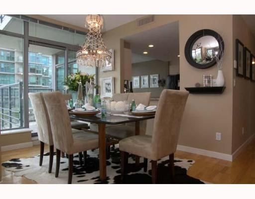 """Main Photo: 303 1710 BAYSHORE Drive in Vancouver: Coal Harbour Condo for sale in """"BAYSHORE GARDENS"""" (Vancouver West)  : MLS®# V642290"""