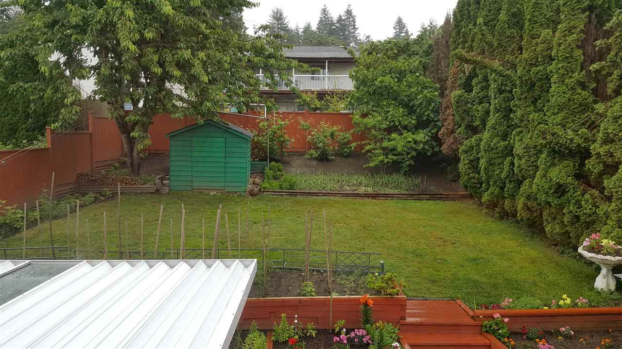 Photo 5: Photos: 117 CROTEAU Court in Coquitlam: Cape Horn House for sale : MLS®# R2555621