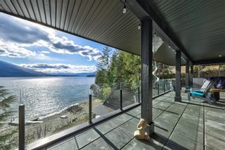 Photo 7: 5846 Sunnybrae-Canoe Point Road, in Tappen: House for sale : MLS®# 10240711