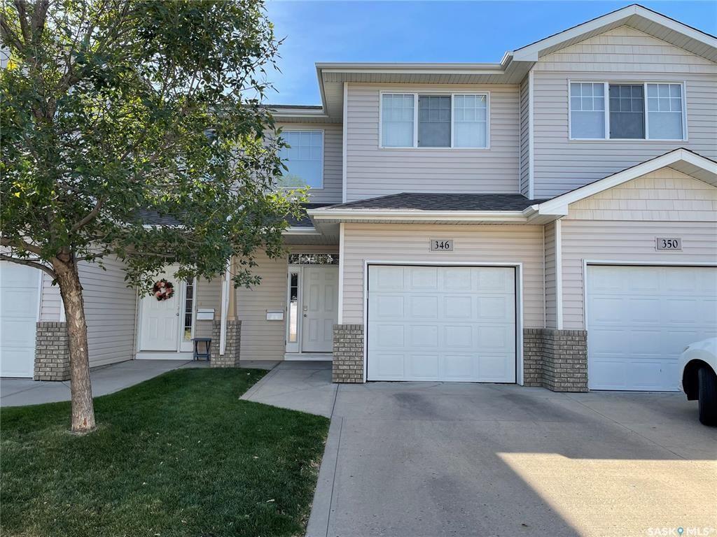 Main Photo: 346 Pickard Way North in Regina: Normanview Residential for sale : MLS®# SK871171