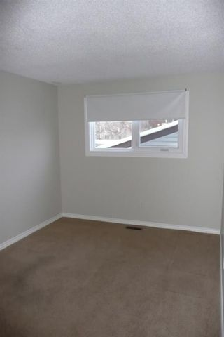 Photo 14: 34 Edgewood Drive NW in Calgary: Edgemont Semi Detached for sale : MLS®# A1128015