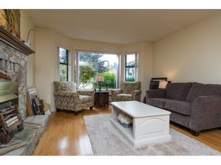 Photo 4: 15455 19 Avenue in Surrey: King George Corridor House for sale (South Surrey White Rock)  : MLS®# R2212130