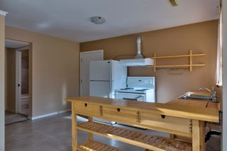 Photo 2: 5751 ANCHOR Road in Sechelt: Sechelt District House for sale (Sunshine Coast)  : MLS®# R2205697