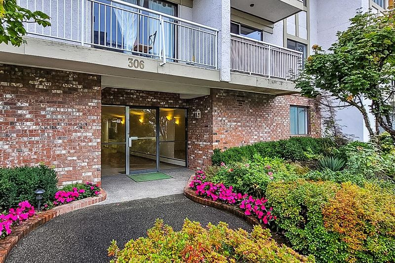 FEATURED LISTING: 306 - 306 1ST Street West North Vancouver