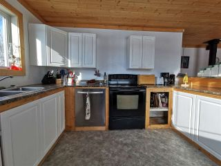"""Photo 3: 16458 SIPHON CREEK Road in Fort St. John: Fort St. John - Rural E 100th House for sale in """"CECIL LAKE"""" (Fort St. John (Zone 60))  : MLS®# R2444353"""