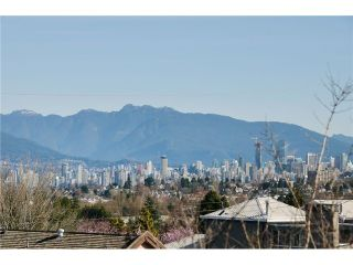 """Photo 5: 3697 W 15TH Avenue in Vancouver: Point Grey House for sale in """"Point Grey"""" (Vancouver West)  : MLS®# V1107915"""