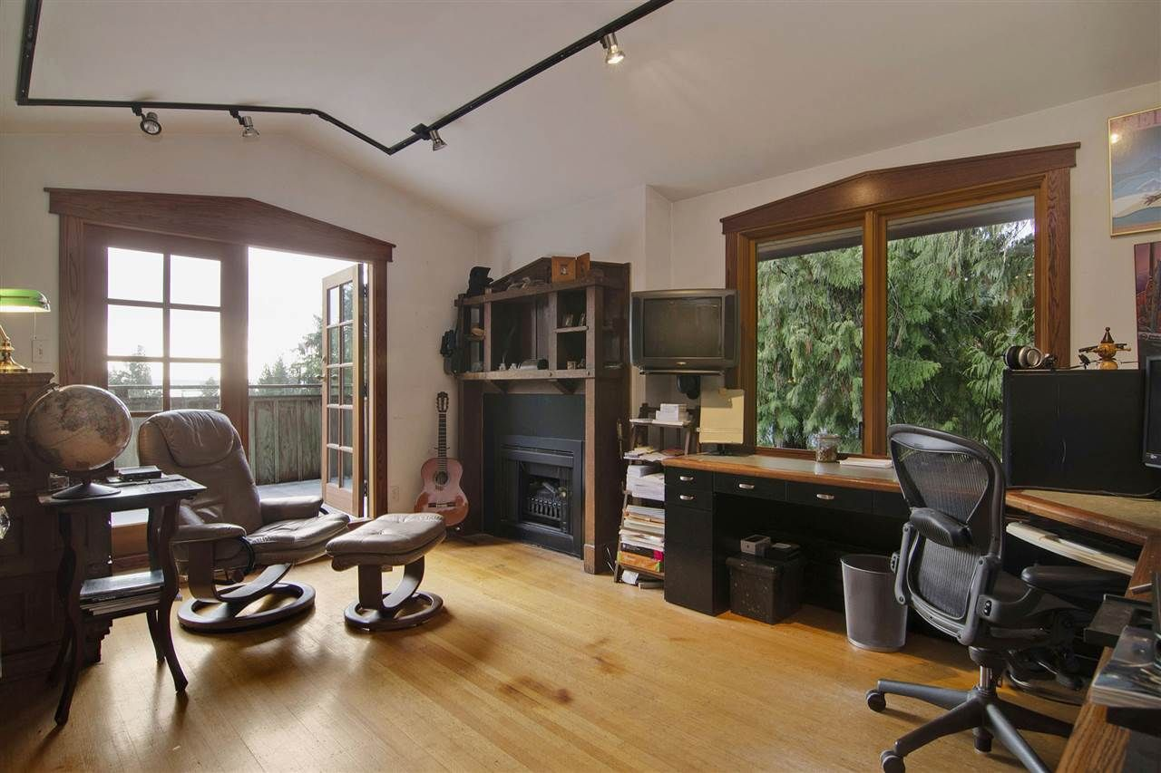 Photo 10: Photos: 1190 SINCLAIR Street in West Vancouver: Ambleside House for sale : MLS®# R2027738