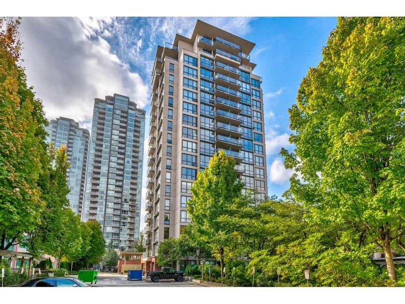 FEATURED LISTING: 902 - 2959 GLEN Drive Coquitlam