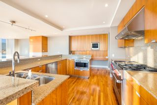 """Photo 8: 3102 1077 W CORDOVA Street in Vancouver: Coal Harbour Condo for sale in """"Shaw Tower"""" (Vancouver West)  : MLS®# R2624531"""