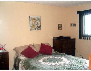 Photo 4: 116 BRELADE Street in WINNIPEG: Transcona Single Family Detached for sale (North East Winnipeg)  : MLS®# 2714213