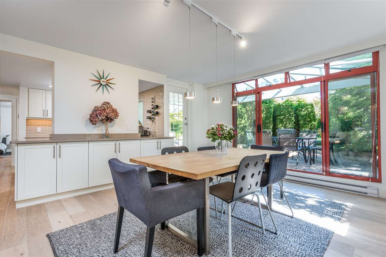 """Main Photo: 402 130 E 2ND Street in North Vancouver: Lower Lonsdale Condo for sale in """"The Olympic"""" : MLS®# R2497879"""