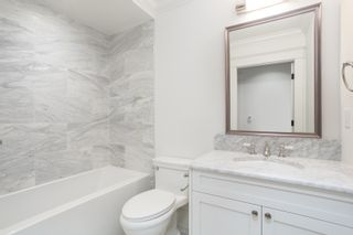 """Photo 10: 1779 W 16 Avenue in Vancouver: Kitsilano Townhouse for sale in """"Heritage by Formwerks"""" (Vancouver West)  : MLS®# R2448707"""