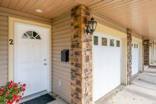 Photo 2: 2 172 Rockyledge View NW in Calgary: Rocky Ridge Row/Townhouse for sale : MLS®# A1152738