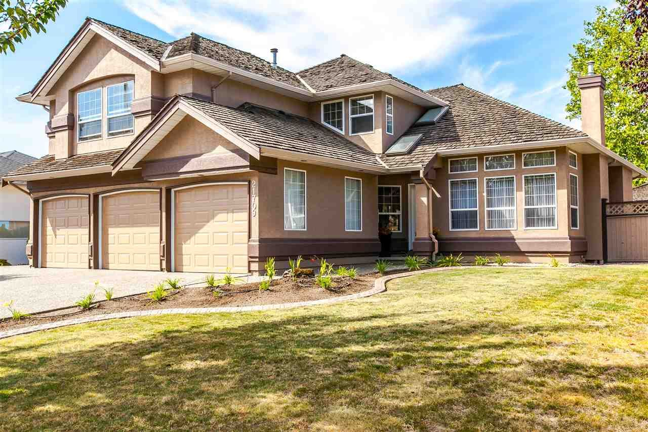 Photo 1: Photos: 21709 44 Avenue in Langley: Murrayville House for sale : MLS®# R2108375