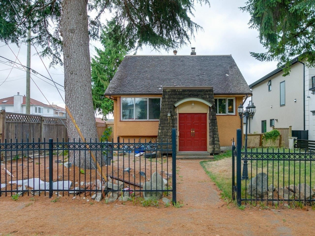 Main Photo: 1978 NASSAU Drive in Vancouver: Fraserview VE House for sale (Vancouver East)  : MLS®# R2619446