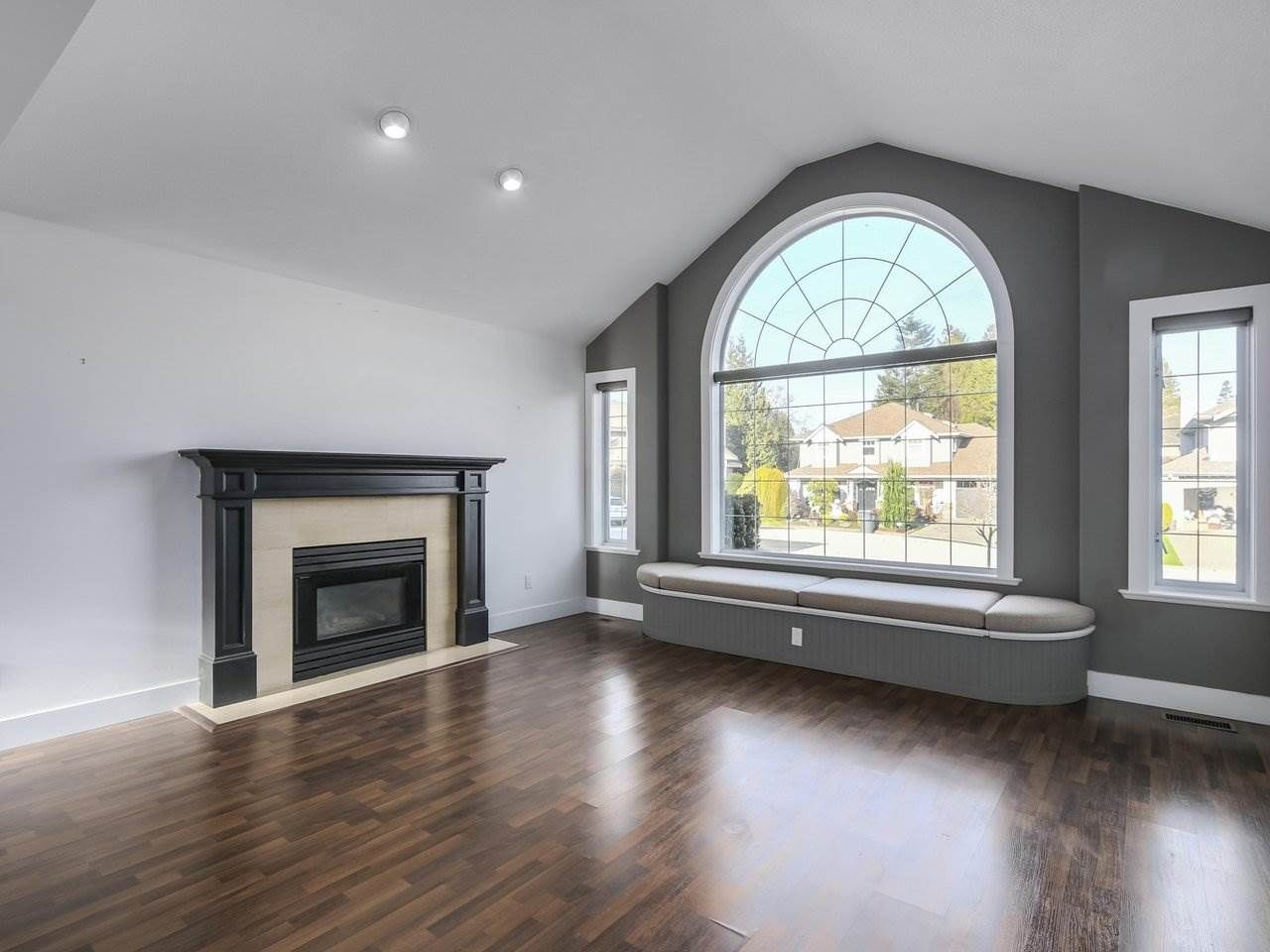 Photo 3: Photos: 12548 25A Avenue in Surrey: Crescent Bch Ocean Pk. House for sale (South Surrey White Rock)  : MLS®# R2328780