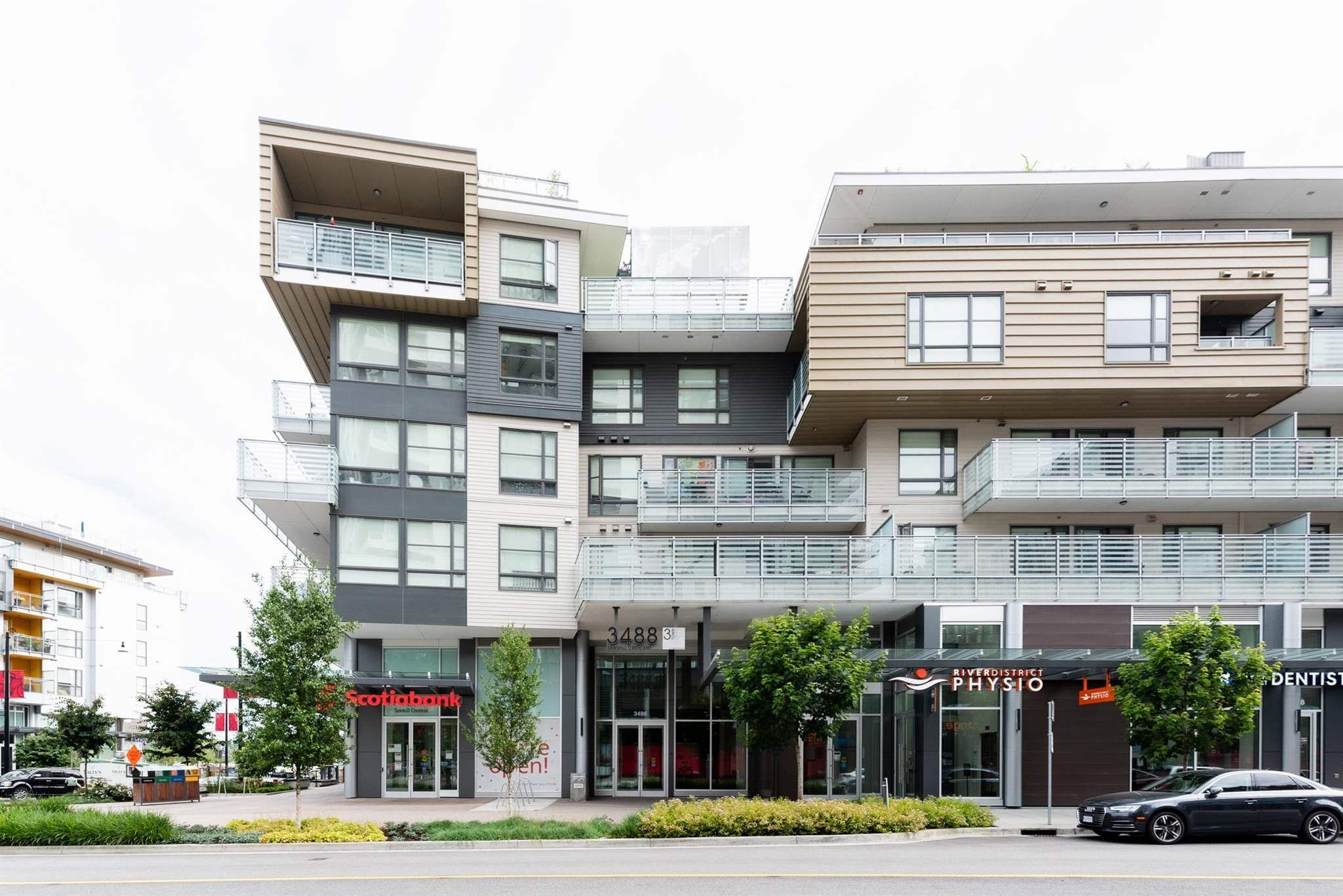 """Main Photo: 517 3488 SAWMILL Crescent in Vancouver: South Marine Condo for sale in """"River District - 3 Town Center"""" (Vancouver East)  : MLS®# R2598400"""