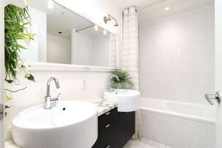 "Photo 17: 1901 1055 HOMER Street in Vancouver: Yaletown Condo for sale in ""DOMUS"" (Vancouver West)  : MLS®# R2245157"