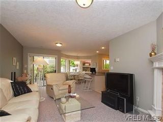 Photo 8: 1028 Adeline Pl in VICTORIA: SE Broadmead House for sale (Saanich East)  : MLS®# 573085