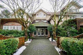 """Main Photo: 18 2110 MARINE Drive in West Vancouver: Dundarave Condo for sale in """"Lincoln Gardens"""" : MLS®# R2539786"""
