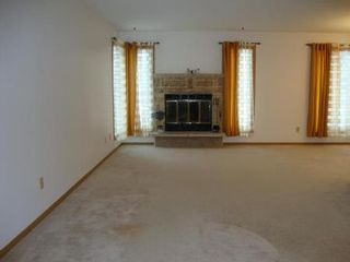Photo 2: 34 ALSIP Drive in Winnipeg: Residential for sale (Canada)  : MLS®# 1202944