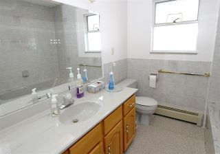 Photo 12: 2276 E 61ST Avenue in Vancouver: Fraserview VE House for sale (Vancouver East)  : MLS®# R2255899
