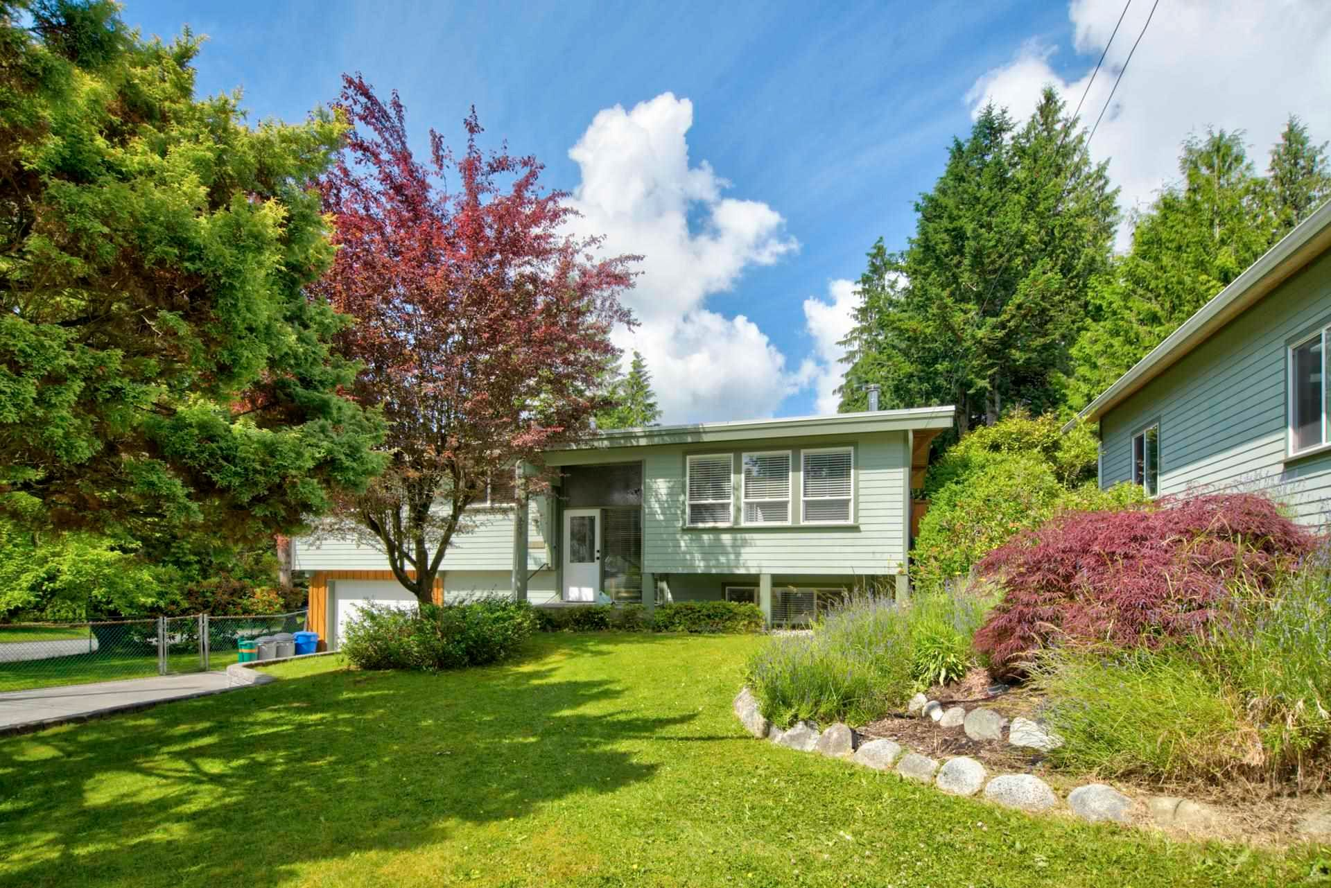 Main Photo: 8057 WAXBERRY Crescent in Mission: Mission BC House for sale : MLS®# R2594056