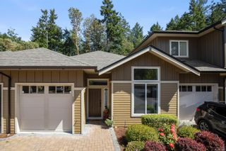 Photo 1: 121 3640 Propeller Pl in : Co Royal Bay Row/Townhouse for sale (Colwood)  : MLS®# 875440